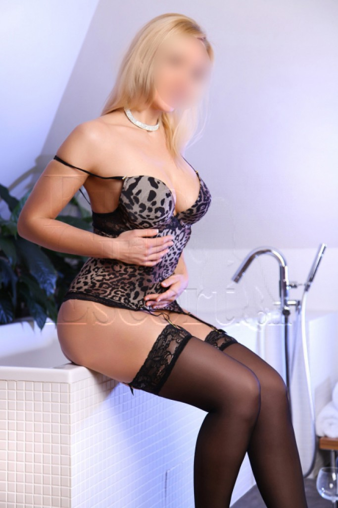 Escort Monika - top girls from Prague